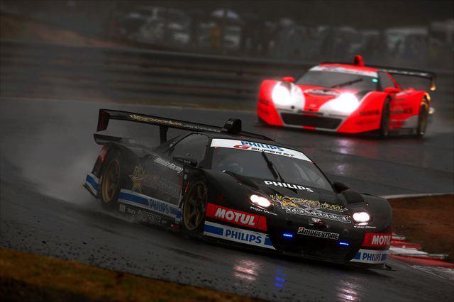 【Honda】悪天候の中、開幕戦でNSX-GTが2-3位表彰台を獲得(1)