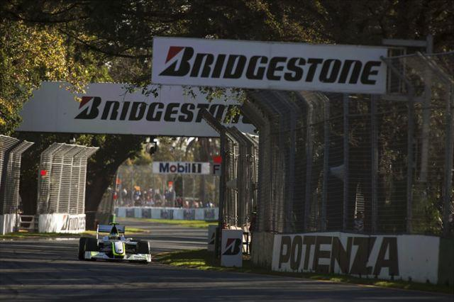 F1開幕戦オーストラリアGP決勝:ブラウンGPが快挙! バトン、バリチェロで1-2フィニッシュ(2)