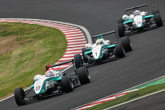 全日本F3第6戦:国本雄資が初優勝! またもトムスがトップ3独占(3)