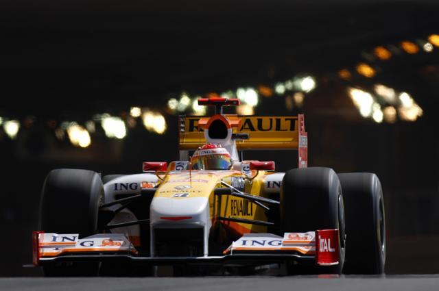 F1モナコGP、ルノーのアロンソがフリー走行3回目のトップ(1)