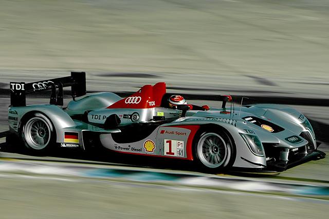 2009 ル・マン24時間レース LMP1参戦車両(1) アウディR15