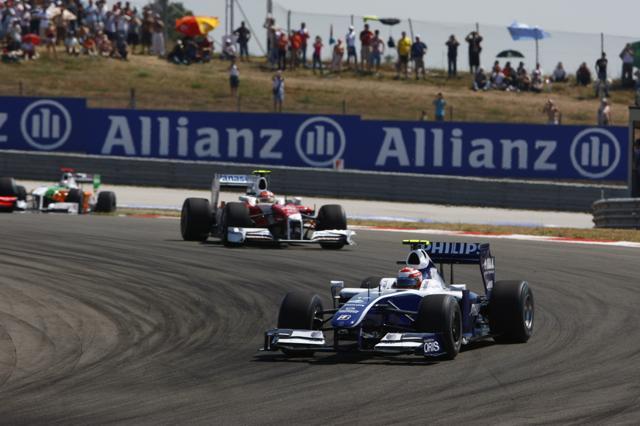 F1トルコGP決勝はバトンが優勝、レッドブルが2、3位(3)