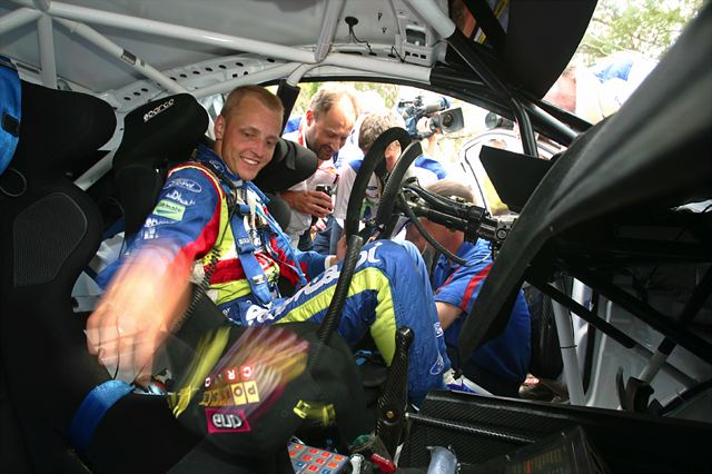 WRC第7戦アクロポリス:デイ2もヒルボネンがリード、ローブは転倒リタイア(1)