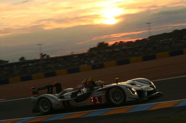 ル・マン24時間レース:10時間経過・プジョー9号車がトップ、アウディ1号車が追う(2)