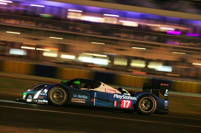 ル・マン24時間レース:10時間経過・プジョー9号車がトップ、アウディ1号車が追う(4)