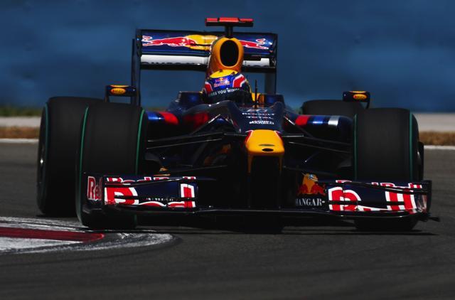 F1イギリスGP開幕、ウエーバー&ベッテルが1-2スタート(1)