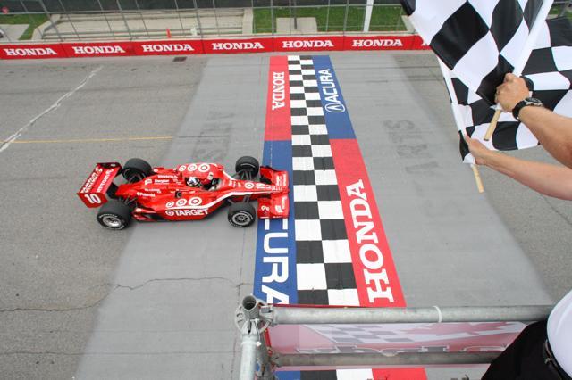 IRL:第10戦トロントはフランキッティがポール・トゥ・ウインで今季3勝目(1)