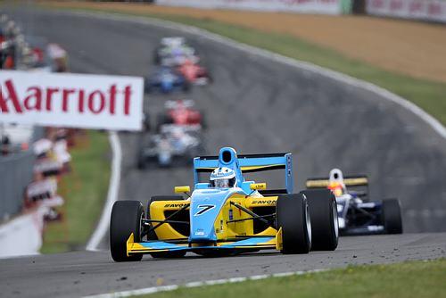 サーティースの息子・ヘンリーがF2レース中にケガ(2)