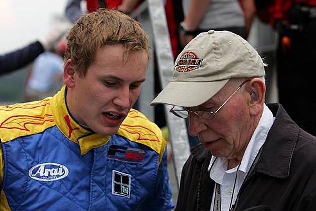 ヘンリー・サーティース、F2レース中のアクシデントで死亡(1)