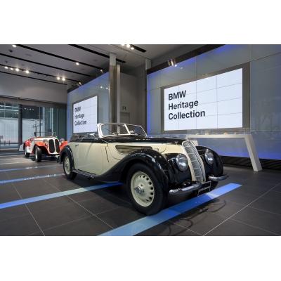 【BMW Group PressClub Japan】BMW Group StudioでBMWデザインの系譜を展示(1)