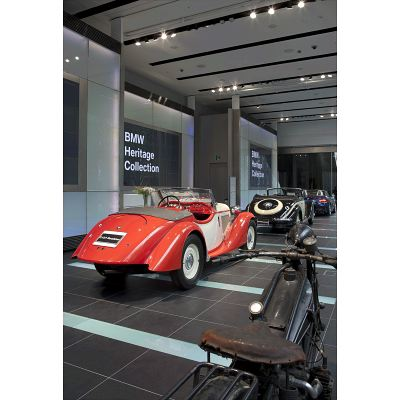 【BMW Group PressClub Japan】BMW Group StudioでBMWデザインの系譜を展示(3)