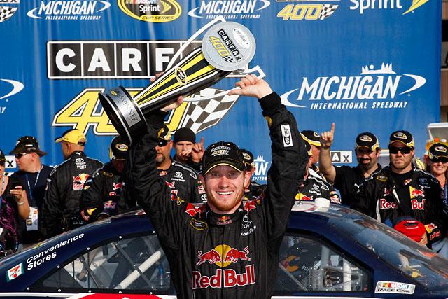 【トヨタモータースポーツニュース】NASCAR SPRINT CUP第23戦 ヴィッカーズが念願の今季初勝利!(1)