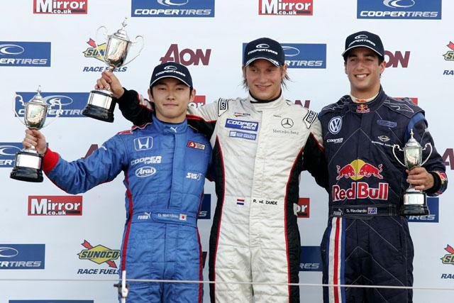 イギリスF3:中嶋大祐、初ポール&決勝2位を獲得(2)