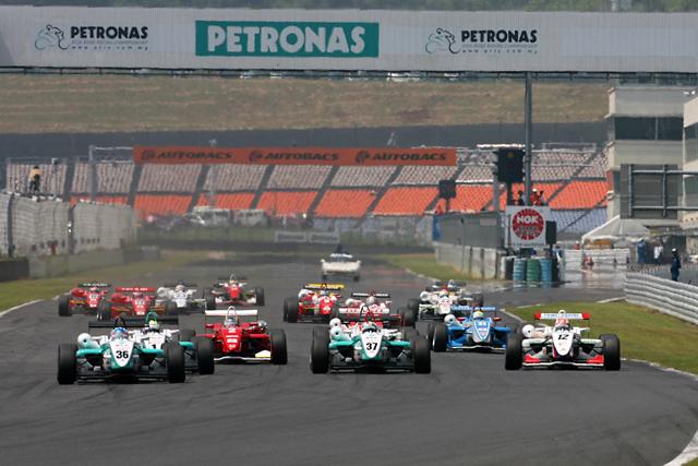 全日本F3第14戦:井口、2連続ポール・トゥ・ウインでオートポリスを完全制圧!(2)