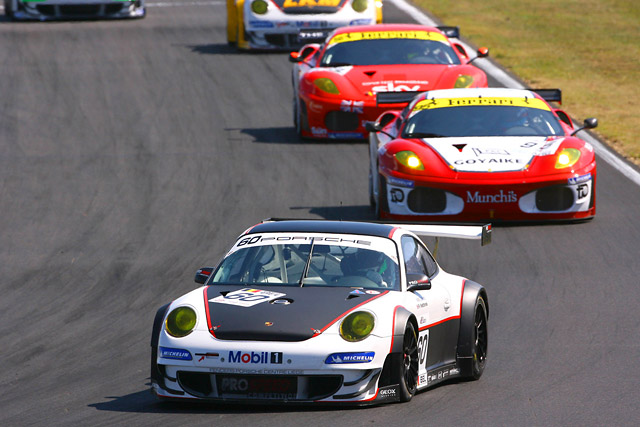 FIA-GT第5戦ブダペスト KプラスKがトップも車両規定違反でヴィータフォンが優勝(2)