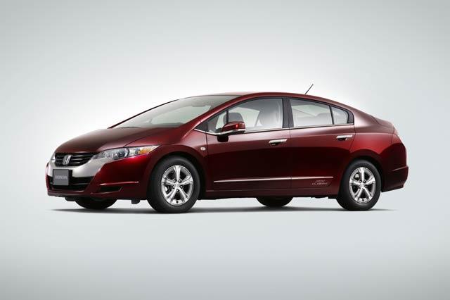 【Honda】Honda新型燃料電池車「FCXクラリティ」を2つの民間企業に納車(1)