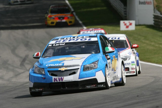 WTCC:ラリーニ、接触によるペナルティで15位に降格に(1)