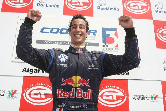 イギリスF3:リチャルドがタイトルを獲得(1)