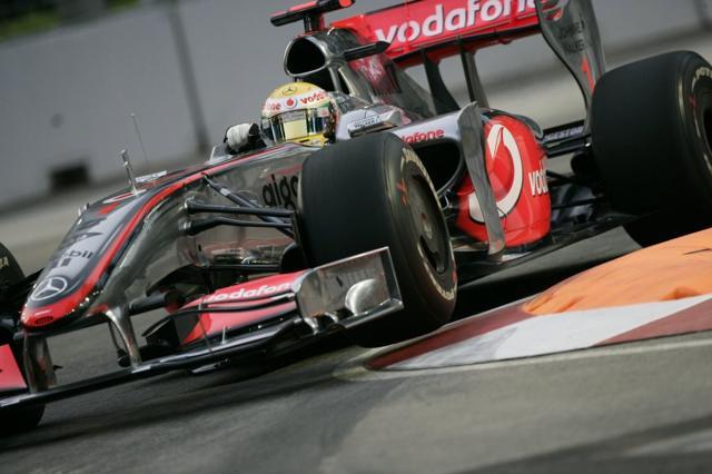 F1シンガポールGP:予選前のフリー走行はハミルトンが最速。2番手はベッテル(1)