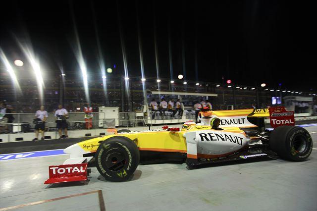 F1シンガポールGP予選:バリチェロがクラッシュ、赤旗終了でハミルトンが2連続PP(5)