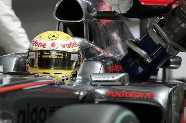 F1第14戦シンガポールGP:レース前車両重量計測結果 バリチェロはギヤボックス交換でグリッド後退(1)