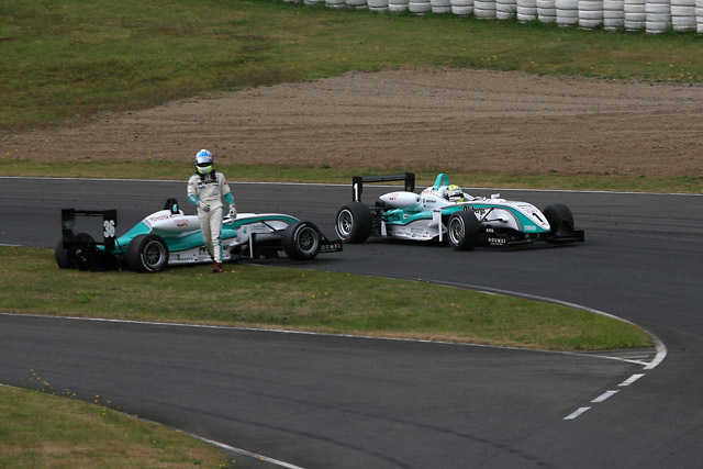 全日本F3第16戦:井口との攻防を制しエリクソンが逆転チャンピオン獲得!(3)