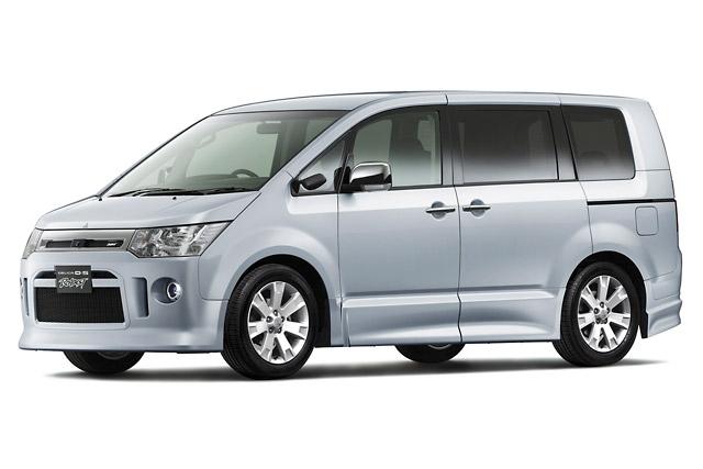 【三菱自動車】三菱自動車、ミニバン『デリカD:5』の4WD車を一部改良(1)