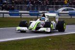 F1 | デイビッドソンがブラウンGPをドライブ!? メルセデスが英国でイベント