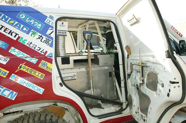 トヨタ・ランドクルーザー200 TLCダカールラリー仕様13