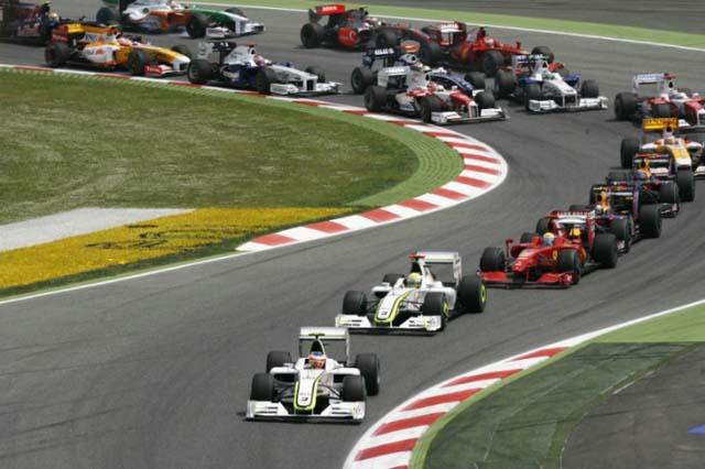 F1ポイント制が変更の見込み。トップ10人が入賞、優勝者に25点(1)
