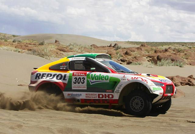レーシングランサー健在 2010年ダカールラリーにプライベーター5台が出走(1)