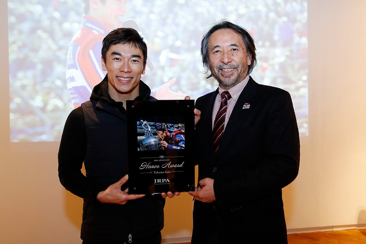 佐藤琢磨がJRPA写真展トークショーに登場。2018年は「チャンピオンを目指したい」