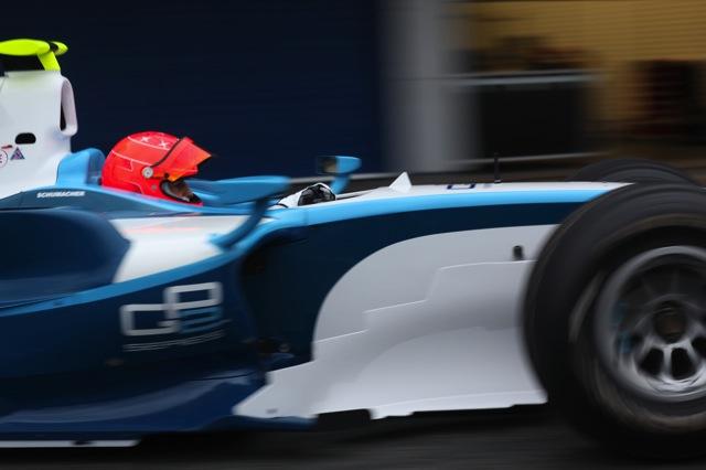 ミハエル・シューマッハー、ヘレスでGP2ドライブを開始(8)