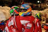 F1   アロンソ、新カラーリングのヘルメットを披露。フェラーリレッドではなくオビエドブルー