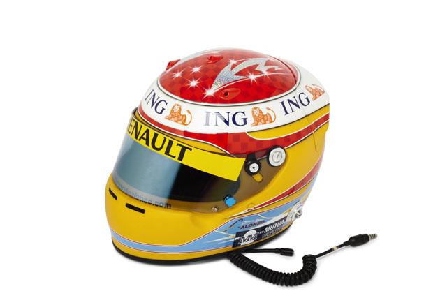 アロンソ、新カラーリングのヘルメットを披露。フェラーリレッドではなくオビエドブルー(3)
