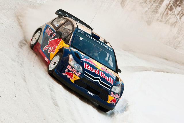 レッドブル、ライコネンのC4 WRCのカラーリングとスーツ姿を公開(2)