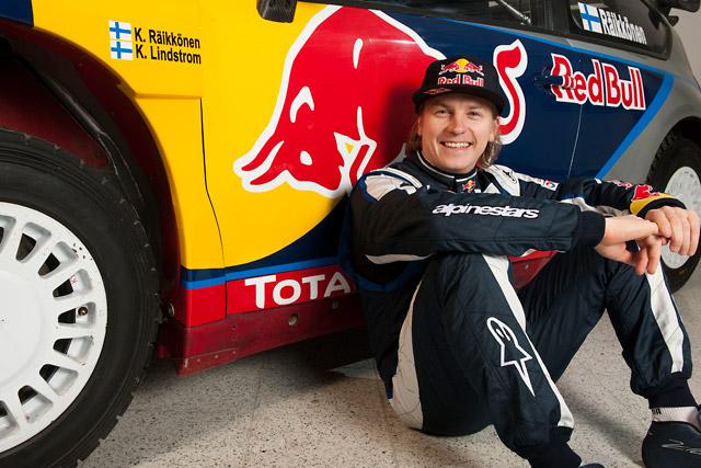 レッドブル、ライコネンのC4 WRCのカラーリングとスーツ姿を公開(4)
