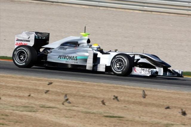 F1合同テストがスタート。7チームの新車が初対決!(1)