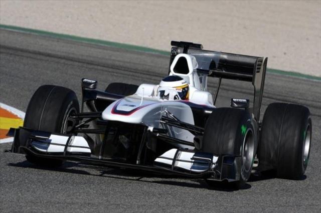 F1合同テストがスタート。7チームの新車が初対決!(2)
