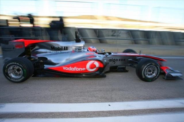 F1合同テストがスタート。7チームの新車が初対決!(4)