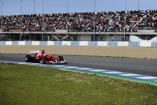 アロンソ、フェラーリF10の仕上がりに自信。「100パーセントに近づきつつある」(3)