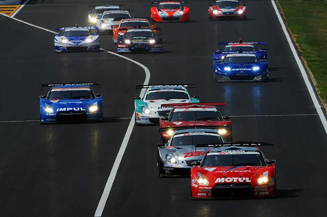 スーパーGTの2010年間エントリー発表 38台が名を連ねる(1)
