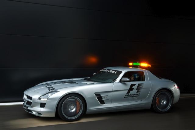 F1の新セーフティカーは、ガルウイング・メルセデス(4)