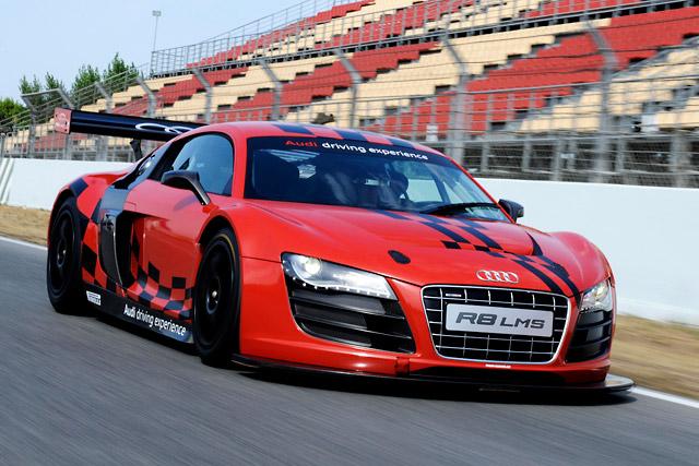 アウディ、R8 LMS GT3を使ってレース体験プログラムを開始(1)