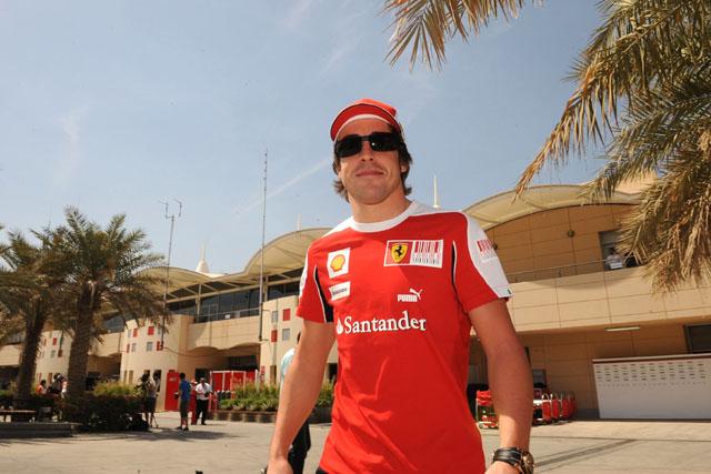アロンソ、フェラーリでの初レースへ。「この時を待ち焦がれ、準備を整えてきた」(1)