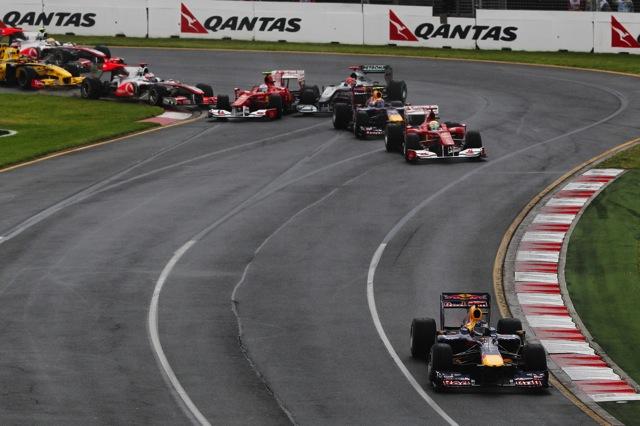 F1オーストラリアGP決勝、混乱のレースをバトンが2年連続で制す。ベッテルにまたも不運(2)