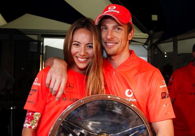 F1オーストラリアGP決勝、混乱のレースをバトンが2年連続で制す。ベッテルにまたも不運(1)