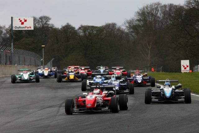 イギリスF3:開幕戦はカーリンが3連勝。中嶋も2位表彰台を獲得(1)