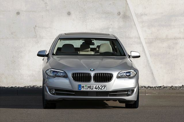 【BMW Group PressClub Japan】ューBMW 528iセダンがエコカー減税対象モデルに認定 新車購入補助金とあわせて最大で約43万円の価格メリット 4月下旬より納車開始(2)