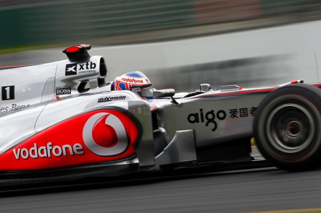 F1中国GP決勝、二転三転のレースは王者バトンが制しマクラーレンも1-2、可夢偉はリタイア(1)